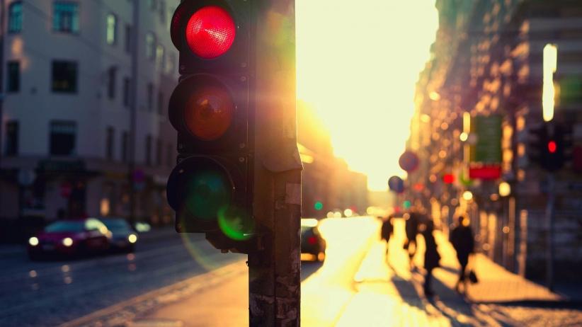20160321180242-stop-lighttraffic-red